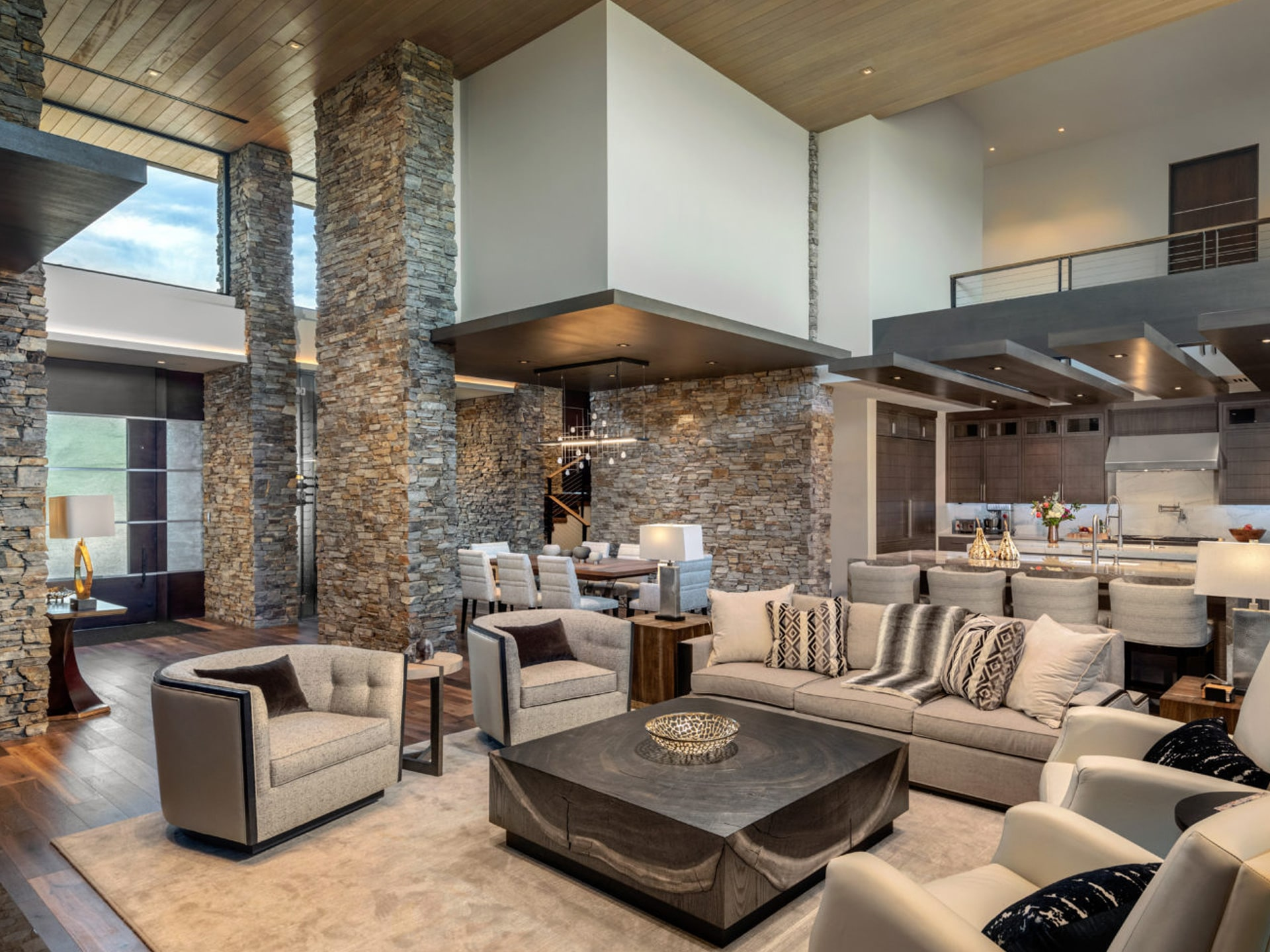 Fountain Hills Custom Home Combines Natural Elements